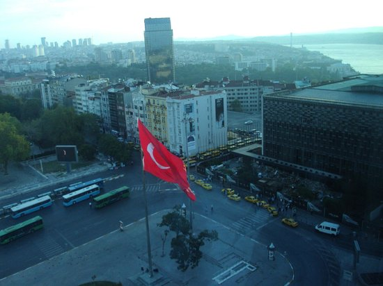 The Marmara Taksim: Vista do apartamento