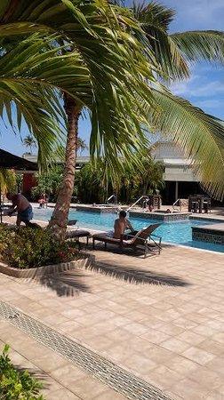 Talk of the Town Hotel & Beach Club : Area de Piscina