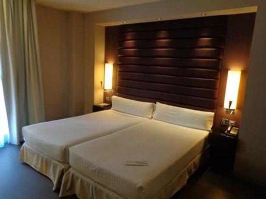 Pestana Arena Barcelona: ベッド