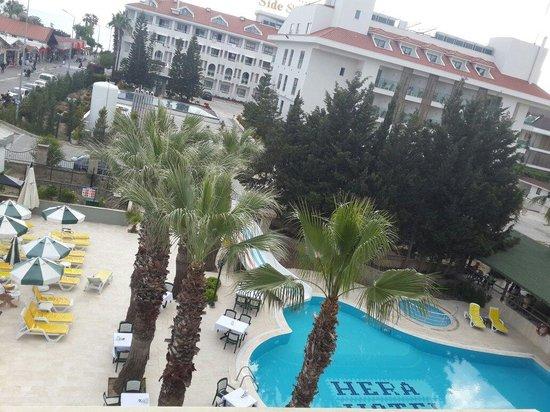Hera Beach Hotel: balkonumuzdan :)