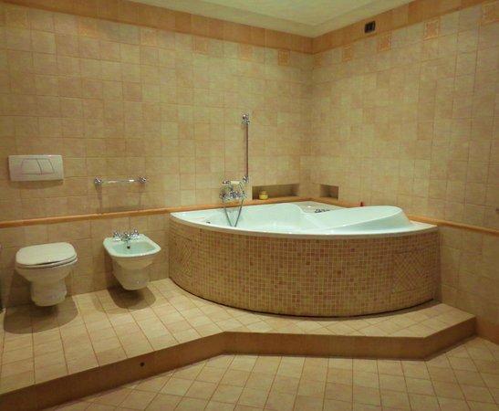 Forli, Italia: foto di 1 bagno con vasca