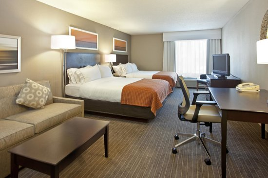 Holiday Inn Express Minneapolis-Minnetonka: Two Queen Suite
