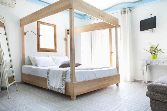 Psarou Beach Hotel: Deluxe room
