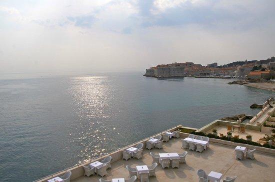 Hotel Excelsior Dubrovnik: Vista do apartamento