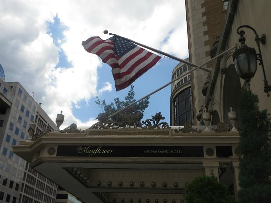 The Mayflower Hotel, Autograph Collection: Beautiful weather for Memorial Day