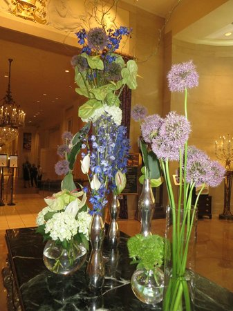 The Mayflower Hotel, Autograph Collection: Beautiful flowers