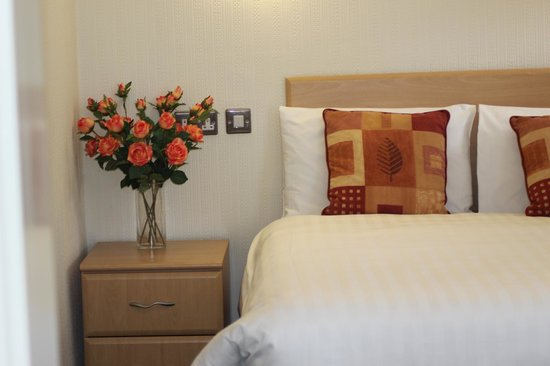 Wycliffe Hotel: King-size Beds