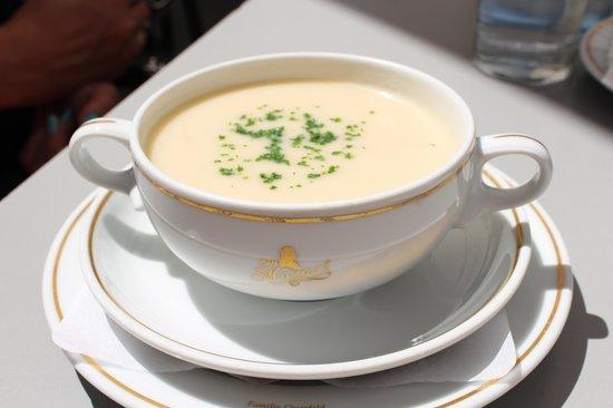 Cafe Mozart: the Leberknodelsuppe