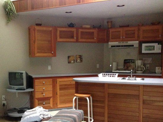MTN Fun Basecamp : One of the rooms with kitchenette