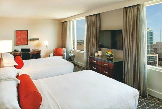 Hilton Nashville Downtown: Parkview Suite - Double Beds