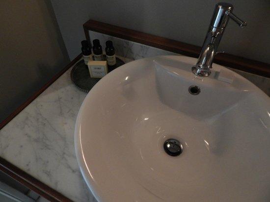 Hotel G San Francisco : Bathroom