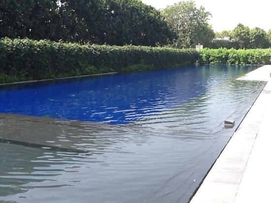 The Oberoi, Gurgaon: the 50 metre pool