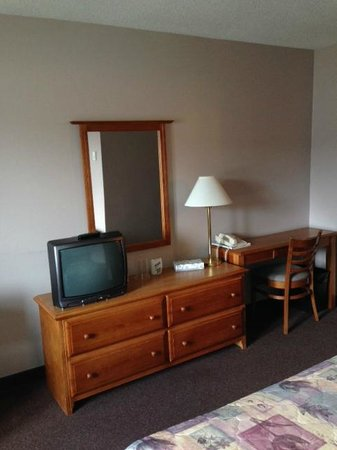 Southern Port Hotel: 22 inch TV viewed from bed