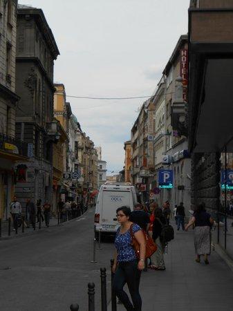 Hotel Europe Sarajevo: Rua do hotel