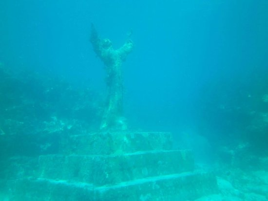 Island Ventures: Christ Statue of the Abyss