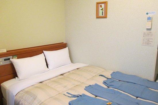 Hotel Route Inn Kanazawa Ekimae : Chambre