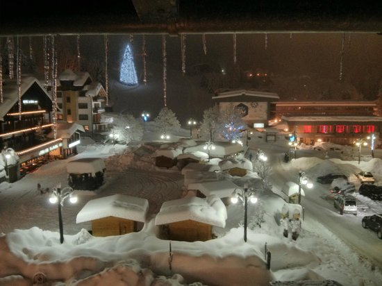 Hotel Arnica: vista da camere winter