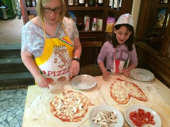 Mastro Ciccia : Choosing our toppings