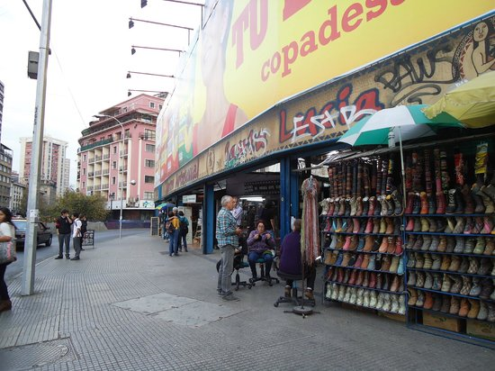 Santiago, Chile: Feria Artesanal Santa Lucia