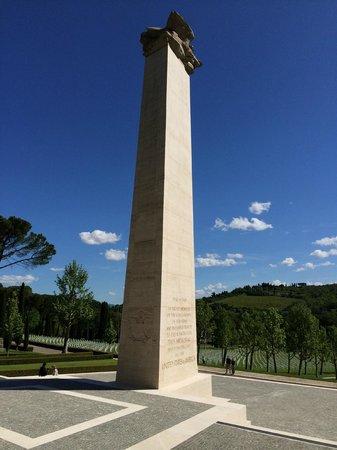 Florence American Cemetery: obelisk