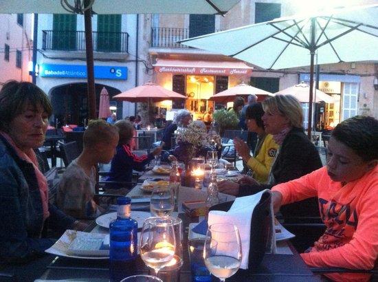 Año 1849: Restaurant op het plein van Santanyi
