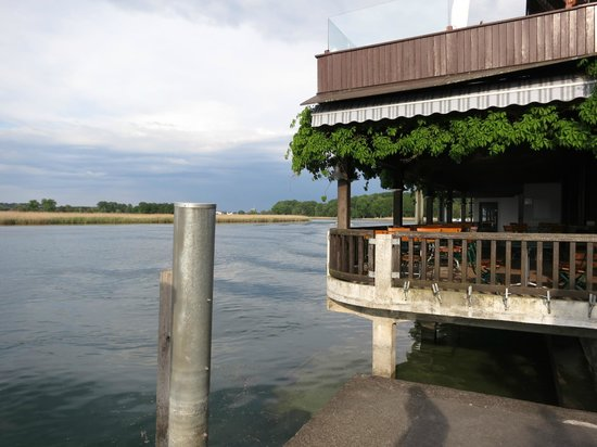 Hotel Drachenburg & Waaghaus: Blick zum Rhein