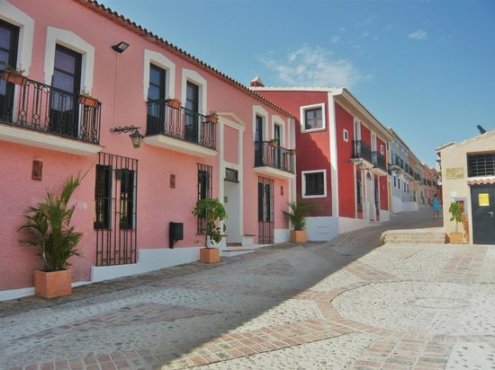 Pueblo Acantilado Suites : un village hôtel