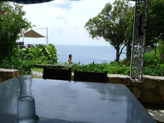 Guana Island : Taking in the views after lunch