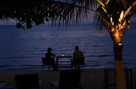 Queenco Hotel & Casino: ужин у моря