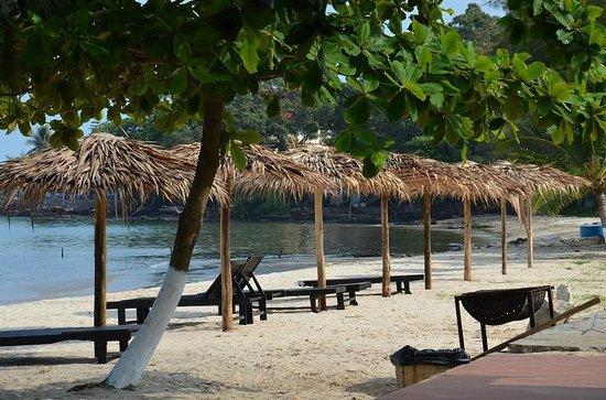Queenco Hotel & Casino: пляж