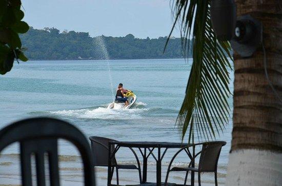 Queenco Hotel & Casino: на пляже