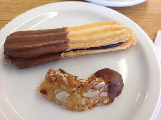 Olsen's Danish Village Bakery: Cookies