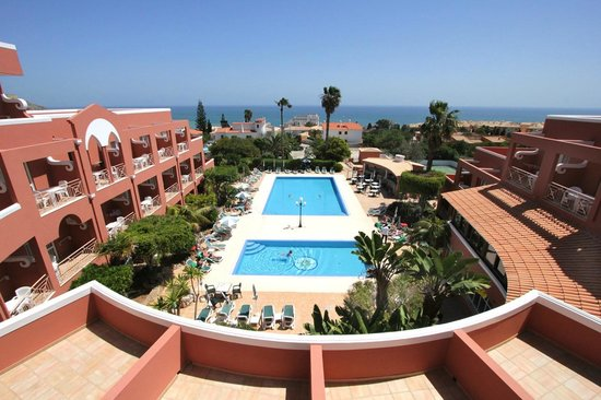 Hotel Belavista da Luz: Pool and Sea view