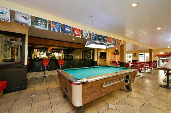 "Vacation Inn : The Bar ""Scribbles"""