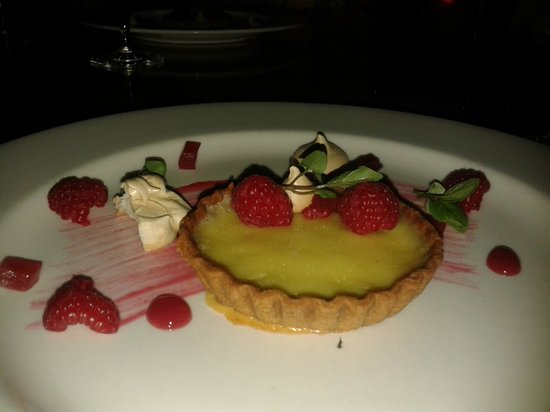 The Whiteface Lodge: Yum, lemon tart