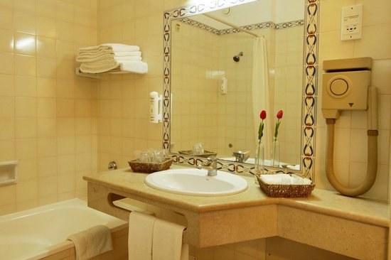 Hotel Belavista da Luz: Room Bathroom