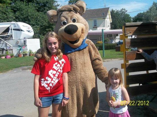 Yogi Bear's Jellystone Park - Ashland: Kids with Boo Boo Bear