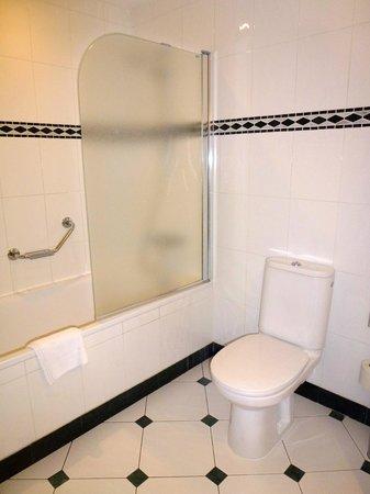 Hilton Imperial Dubrovnik : Shower
