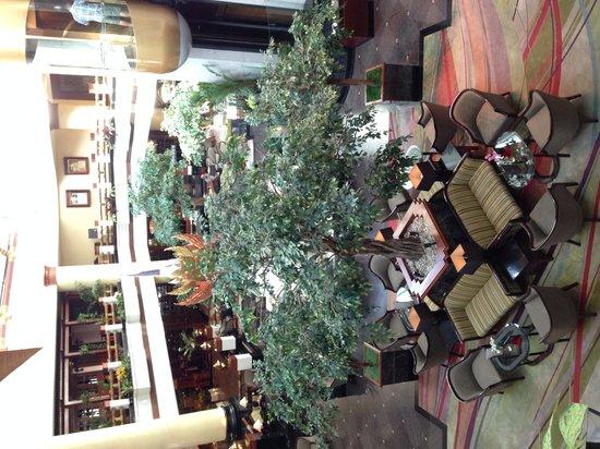 Pullman Khon Kaen Raja Orchid: lobby area