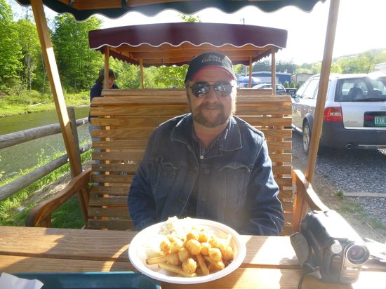 White Cottage Snack Bar: Scallop Basket