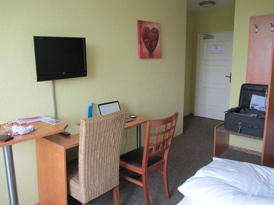 Hotel Drei Kronen: room picture 1