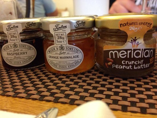 The Twenty One : Cute breakfast condiments.. Makes you smile in the morning..