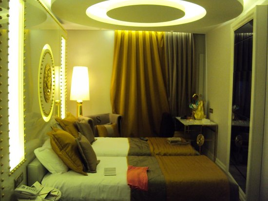 Sura Design Hotel & Suites : quarto