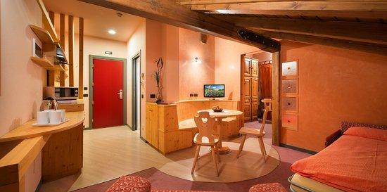 Soggiorno e Cucina Suite Relax Corallo - Foto di Hotel Marzia ...