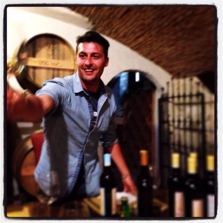 500 Touring Club: Nico telling us about the local wines