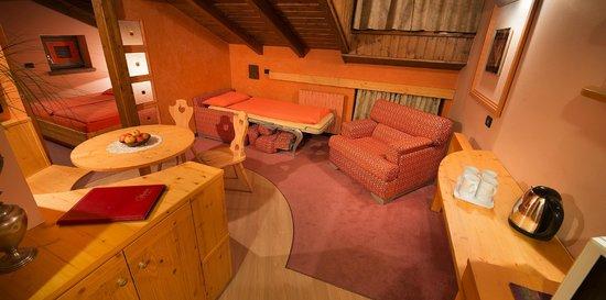 Hotel Marzia: Soggiorno Suite Relax Corallo