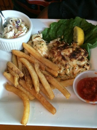 Woody's Dewey Beach Bar & Grill: Crab Cakes platter