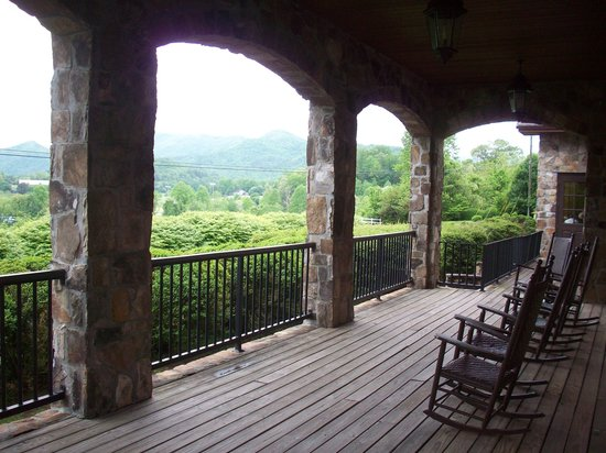 Dillard House: outside view