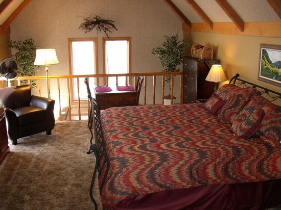 Tudor Rose Bed & Breakfast and Chalets: The Lancaster Room