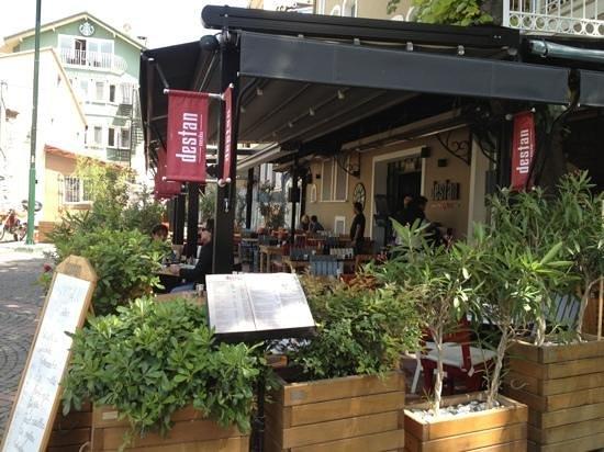 Ortakoy : Destan Meydan Restaurant in Ortaköy